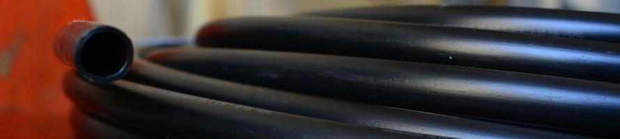 Caños de polietileno negro